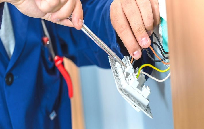 Electrician Clayton South