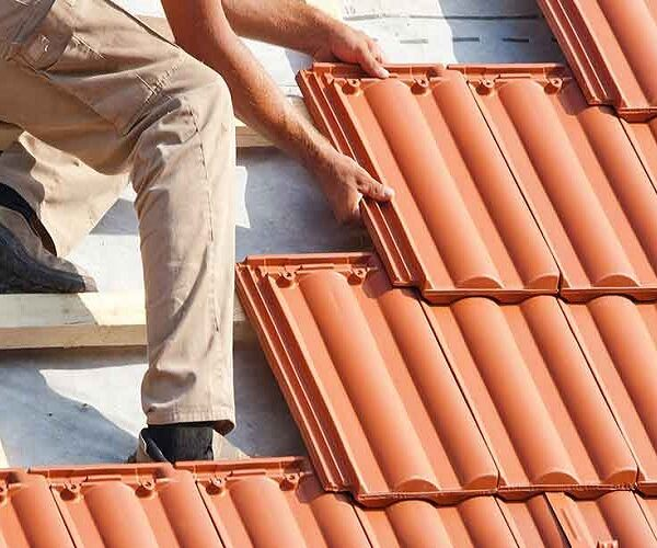 Top 4 Factors To Enhance Beauty & Value To Your Home With Roof Painting