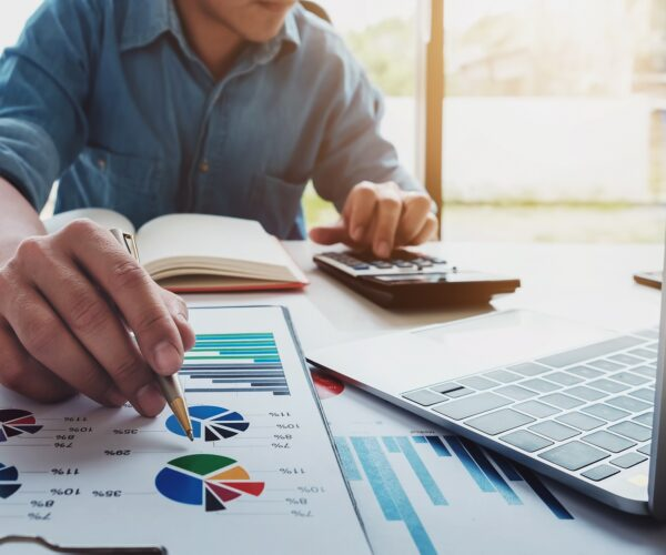 Reasons to hire a Financial Planner that you need to include